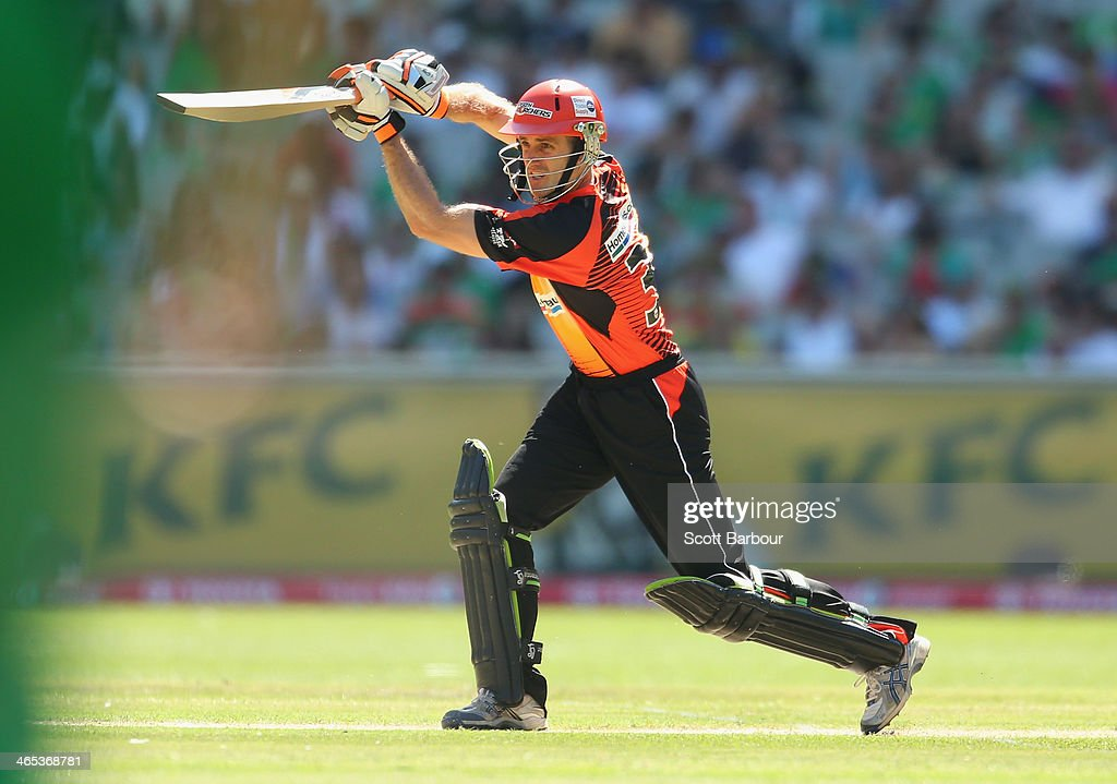 <a gi-track='captionPersonalityLinkClicked' href=/galleries/search?phrase=Simon+Katich&family=editorial&specificpeople=176577 ng-click='$event.stopPropagation()'>Simon Katich</a> of the Scorchers bats during the Big Bash League match between the Melbourne Stars and the Perth Scorchers at Melbourne Cricket Ground on January 27, 2014 in Melbourne, Australia.