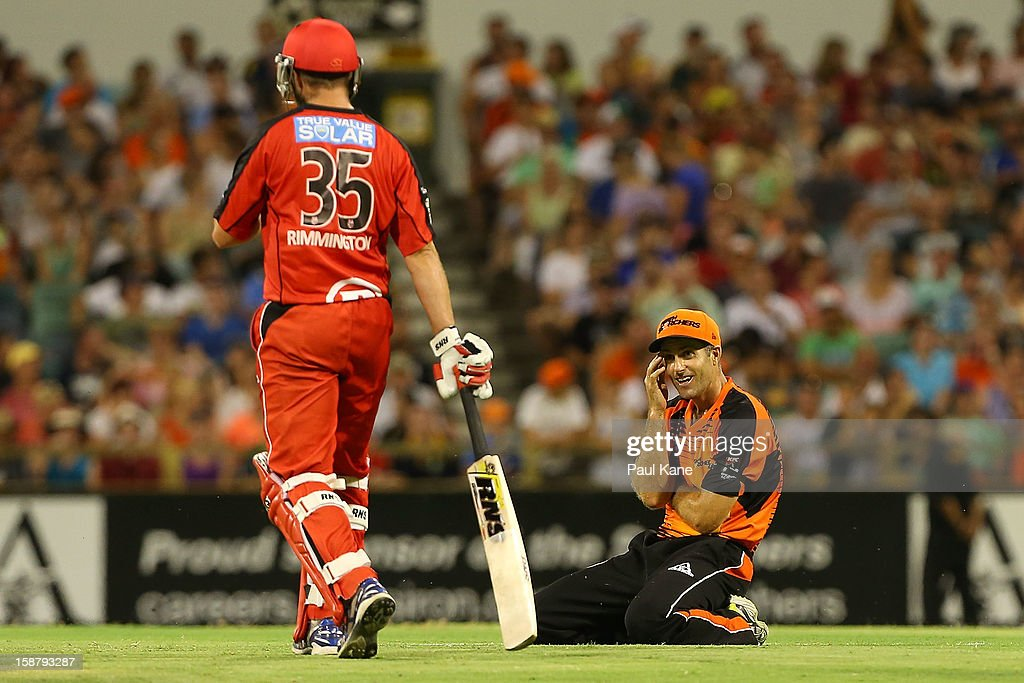 <a gi-track='captionPersonalityLinkClicked' href=/galleries/search?phrase=Simon+Katich&family=editorial&specificpeople=176577 ng-click='$event.stopPropagation()'>Simon Katich</a> of the Scorchers looks on after narrowly missing a runout of Nathan Rimmington of the Renegades during the Big Bash League match between the Perth Scorchers and the Melbourne Renegads at WACA on December 29, 2012 in Perth, Australia.