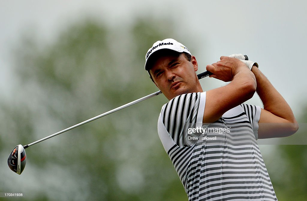 <a gi-track='captionPersonalityLinkClicked' href=/galleries/search?phrase=Simon+Khan&family=editorial&specificpeople=215124 ng-click='$event.stopPropagation()'>Simon Khan</a> of England hits a tee shot during a practice round prior to the start of the 113th U.S. Open at Merion Golf Club on June 11, 2013 in Ardmore, Pennsylvania.