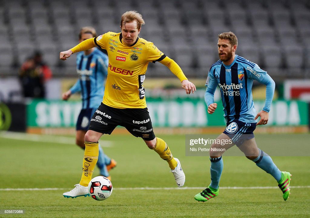 Simon Lundevall of IF Elfsborg and Stefan Karlsson of Djurgardens IF competes for the ball during the Allsvenskan match between IF Elfsborg and Djurgardens IF at Boras Arena on April 28, 2016 in Boras, Sweden.