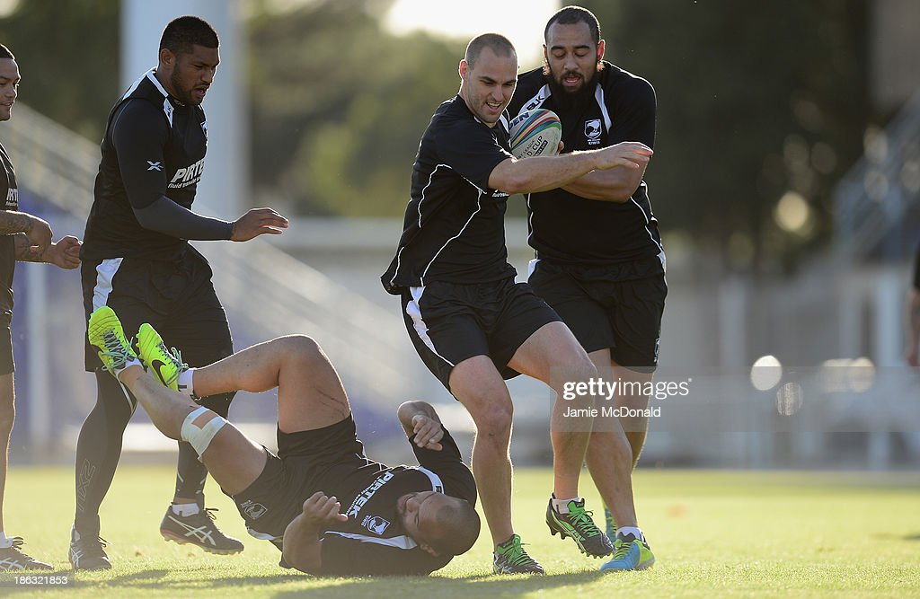 Simon Mannering of New Zealand carries the ball during a New Zealand training session at the Parc des Sports Stadium on October 30, 2013 in Avignon, France.