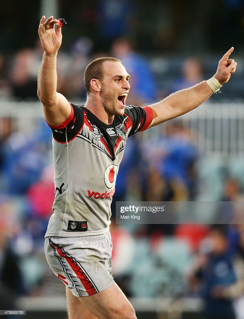 Simon Mannering of the Warriors celebrates the winning try in golden point extra time to Bodene Thompson of the Warriors during the round 10 NRL match between the Parramatta Eels and the New Zealand Warriors at Pirtek Stadium on May 16, 2015 in Sydney, Australia.