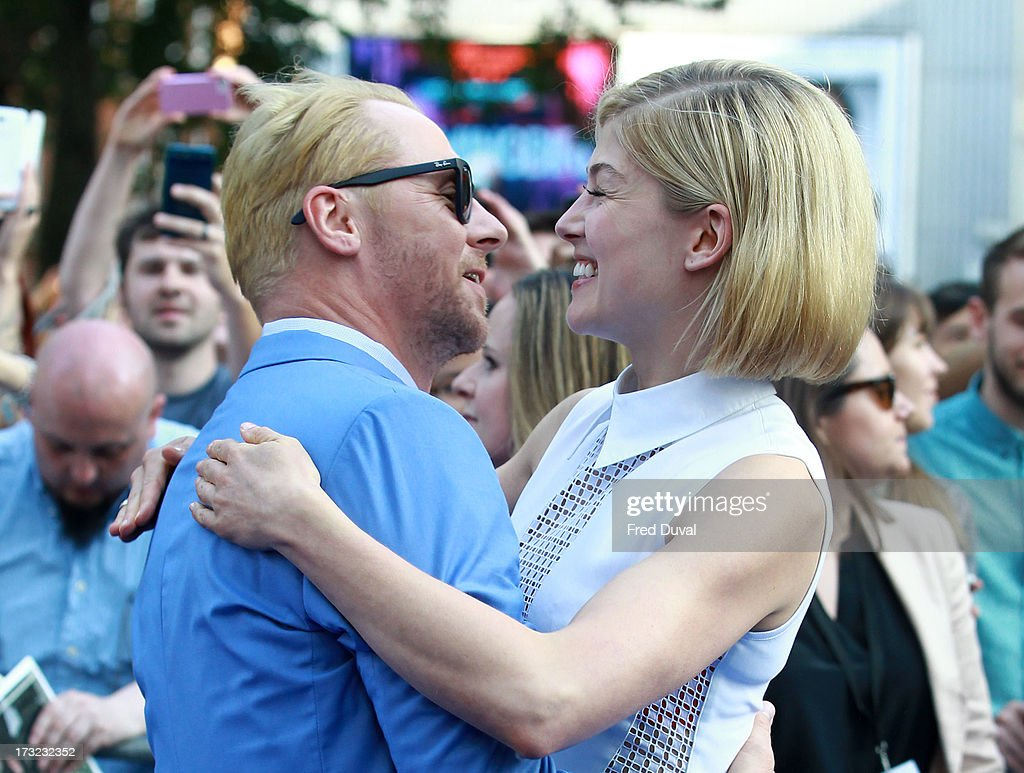<a gi-track='captionPersonalityLinkClicked' href=/galleries/search?phrase=Simon+Pegg&family=editorial&specificpeople=206280 ng-click='$event.stopPropagation()'>Simon Pegg</a> and <a gi-track='captionPersonalityLinkClicked' href=/galleries/search?phrase=Rosamund+Pike&family=editorial&specificpeople=208910 ng-click='$event.stopPropagation()'>Rosamund Pike</a> attend the World film Premiere of 'The World's End' at The Empire Cinema on July 10, 2013 in London, England.