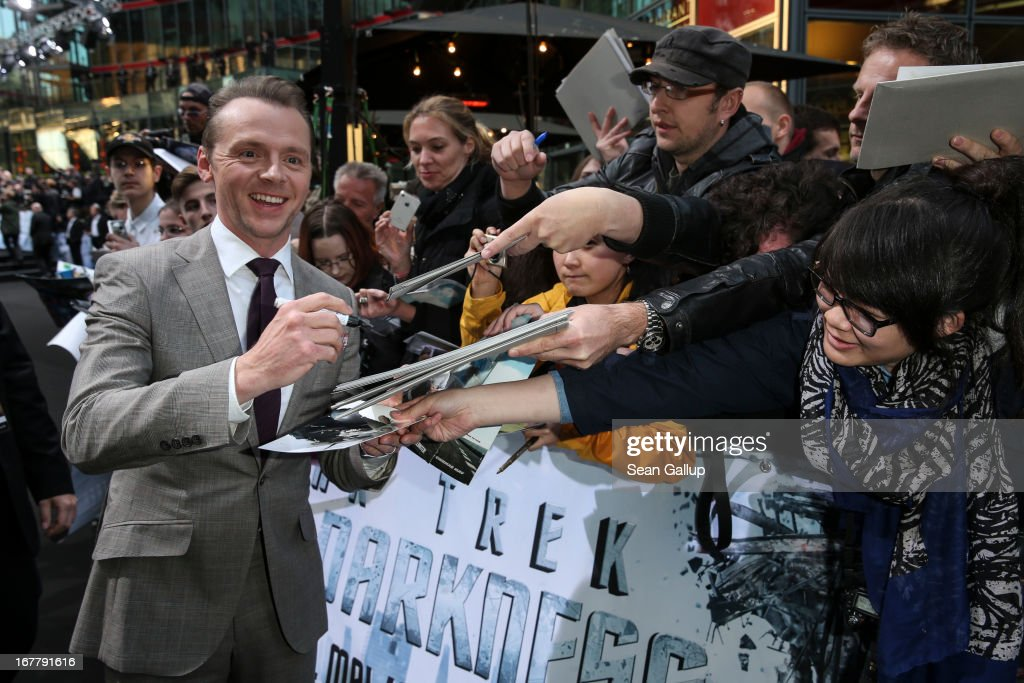 <a gi-track='captionPersonalityLinkClicked' href=/galleries/search?phrase=Simon+Pegg&family=editorial&specificpeople=206280 ng-click='$event.stopPropagation()'>Simon Pegg</a> attends the 'Star Trek Into Darkness' Premiere at CineStar on April 29, 2013 in Berlin, Germany.