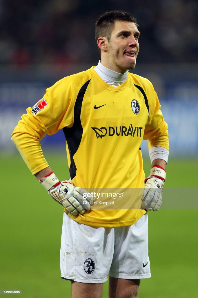 <a gi-track='captionPersonalityLinkClicked' href=/galleries/search?phrase=Simon+Pouplin&family=editorial&specificpeople=2087398 ng-click='$event.stopPropagation()'>Simon Pouplin</a> of Freiburg looks dejected after getting the second goal during the Bundesliga match between Eintracht Frankfurt and SC Freiburg at the Commerzbank Arena on February 14, 2010 in Frankfurt am Main, Germany. Frankfurt won 2-1 against Freieburg.