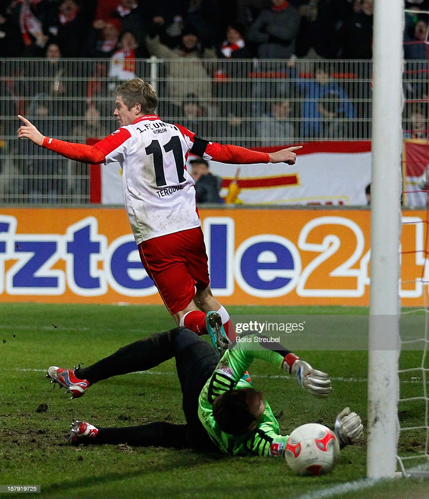 Simon Terodde (L) of Berlin celebrates after scoring their first goal during the Second Bundesliga match between 1. FC Union Berlin and 1. FC Kaiserslautern at Stadion An der Alten Foersterei on December 7, 2012 in Berlin, Germany.