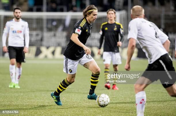Simon Thern of AIK during the Allsvenskan match between Orebro SK AIK at Behrn Arena on November 5 2017 in Orebro Sweden