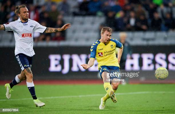 Simon Tibbling of Brondby IF in action during the Danish Alka Superliga match between AGF Aarhus and Brondby IF at Ceres Park on August 20 2017 in...