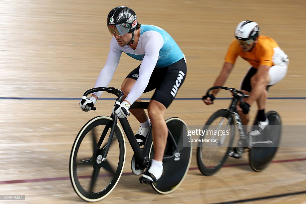 <a gi-track='captionPersonalityLinkClicked' href=/galleries/search?phrase=Simon+van+Velthooven&family=editorial&specificpeople=5780427 ng-click='$event.stopPropagation()'>Simon van Velthooven</a> of West Coast North isalnd rides out front in the Elite Men Keirin first round heats during the New Zealand Track National Championships on February 12, 2016 in Cambridge, New Zealand.