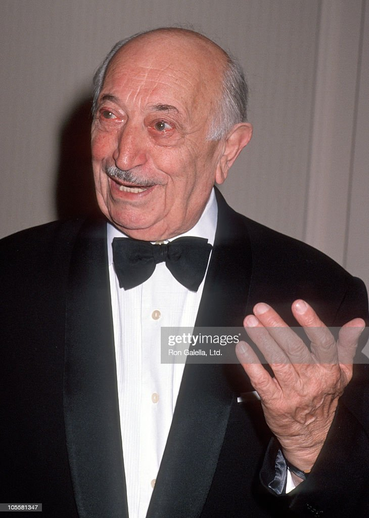 Simon Wiesenthal during 1989 National Tribute Dinner Hosted By The Simon Weisenthal Center at Century Plaza Hotel in Century City, California, United States.