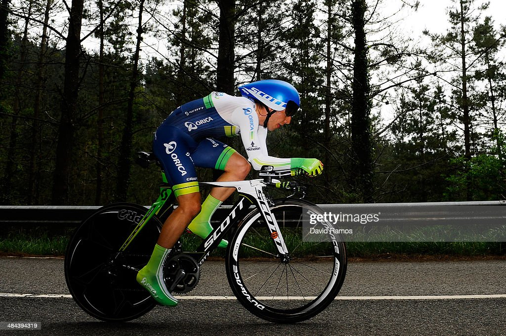 <a gi-track='captionPersonalityLinkClicked' href=/galleries/search?phrase=Simon+Yates+-+Cyclist&family=editorial&specificpeople=13316516 ng-click='$event.stopPropagation()'>Simon Yates</a> of Great Britain and Team Orica GreenEDGE in action during Stage Six of Vuelta al Pais Vasco on April 12, 2014 in Markina, Spain.