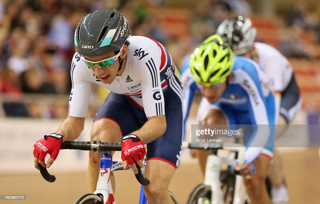 <a gi-track='captionPersonalityLinkClicked' href=/galleries/search?phrase=Simon+Yates+-+Cyclist&family=editorial&specificpeople=13316516 ng-click='$event.stopPropagation()'>Simon Yates</a> of Great Britain in action in the Men's Points Race on day three of the 2013 UCI Track World Championships at the Minsk Arena on February 22, 2013 in Minsk, Belarus.