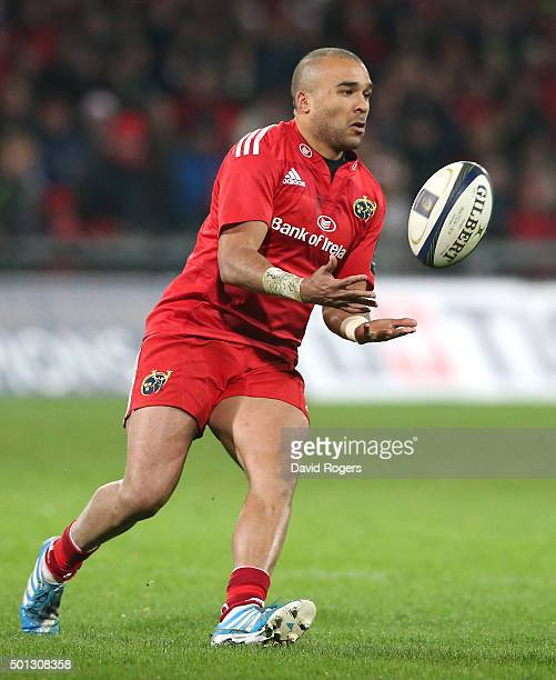 Simon Zebo of Munster catches the ball during the European Rugby Champions Cup match between Munster and Leicester Tigers at Thomond Park on December...