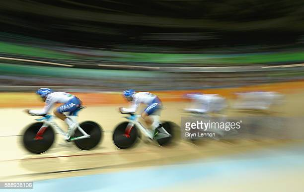 Simone Consonni Liam Bertazzo Filippo Ganna and Francesco Lamon of Team Italy competes in the Men's Team Pursuit First Round on Day 7 of the Rio 2016...