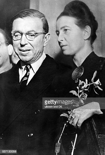 'Simone de Beauvoir French writer with JeanPaul Sartre 1948