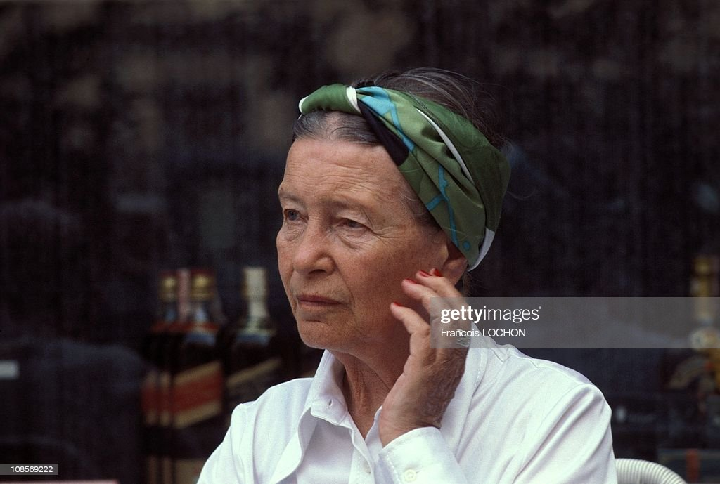 <a gi-track='captionPersonalityLinkClicked' href=/galleries/search?phrase=Simone+de+Beauvoir&family=editorial&specificpeople=228040 ng-click='$event.stopPropagation()'>Simone de Beauvoir</a> in Rome, Italy in September, 1978.