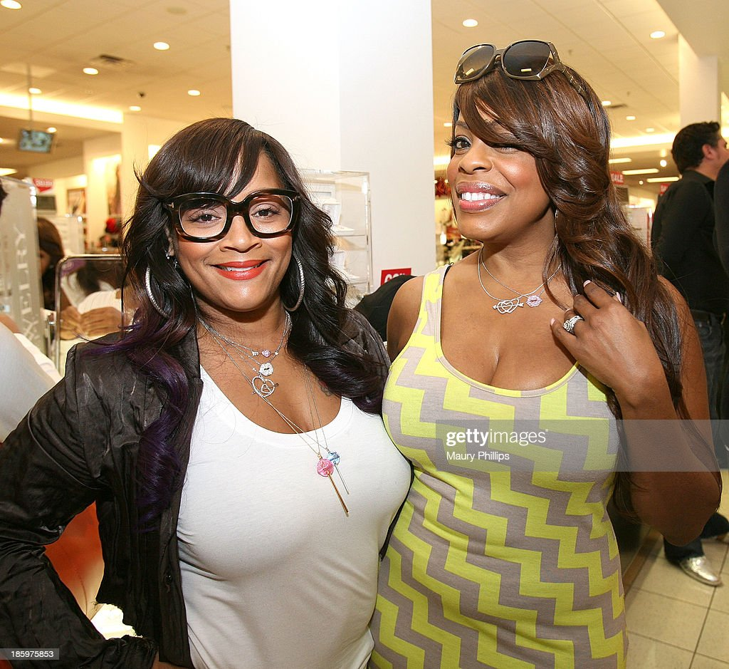 Simone I. Smith and <a gi-track='captionPersonalityLinkClicked' href=/galleries/search?phrase=Niecy+Nash&family=editorial&specificpeople=228464 ng-click='$event.stopPropagation()'>Niecy Nash</a> attend Amore by Simone I. Smith Collection Debut at Kohl's on October 26, 2013 in Los Angeles, California.