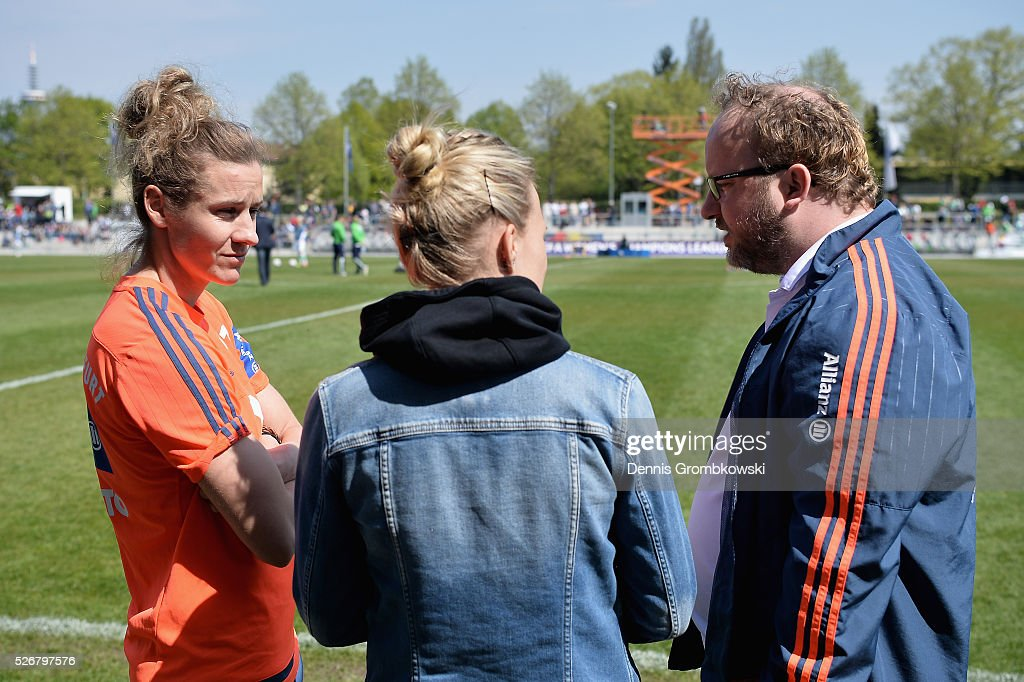 <a gi-track='captionPersonalityLinkClicked' href=/galleries/search?phrase=Simone+Laudehr&family=editorial&specificpeople=639251 ng-click='$event.stopPropagation()'>Simone Laudehr</a> of 1. FFC Frankfurt looks on prior to kickoff during the UEFA Women's Champions League Semi Final second leg match between 1. FFC Frankfurt and VfL Wolfsburg at Stadion am Brentanobad on May 1, 2016 in Frankfurt am Main, Germany.
