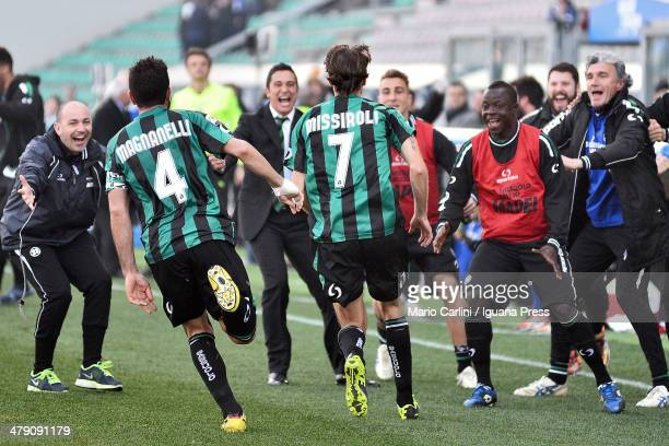 Simone Missiroli of US Sassuolo Calcio celebrates after scoring his team's second goal during the Serie A match between US Sassuolo Calcio and Calcio...