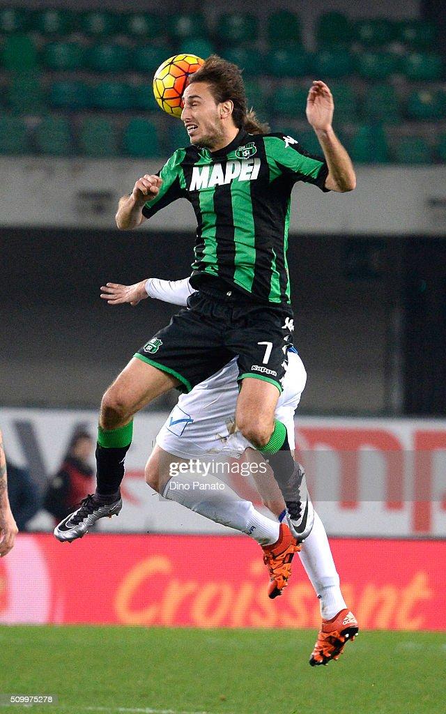 Simone Missiroli of US Sassuolo in action during the Serie A match between AC Chievo Verona and US Sassuolo Calcio at Stadio Marc'Antonio Bentegodi on February 13, 2016 in Verona, Italy.
