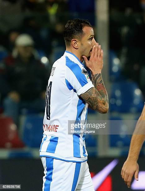 Simone Pepe of Pescara shows his dejection during the Serie A match between FC Crotone and Pescara Calcio at Stadio Comunale Ezio Scida on December...