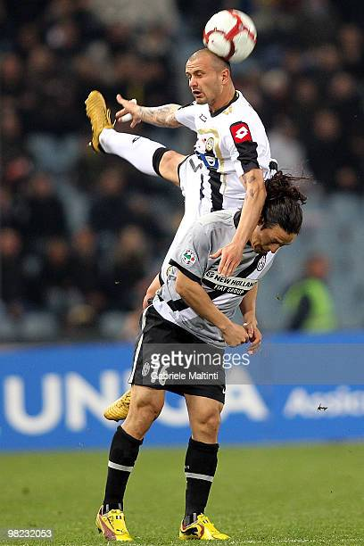 Simone Pepe of Udinese Calcio battles for the ball with Mauro German Camoranesi of Juventus FC during the Serie A match between Udinese Calcio and...