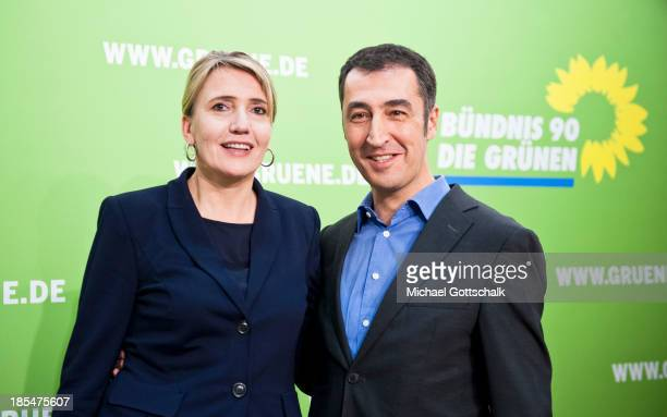 Simone Peter coleader of the German Greens Party and Cem Oezdemir coleader of the German Greens Party speak to the media after a meeting of the party...