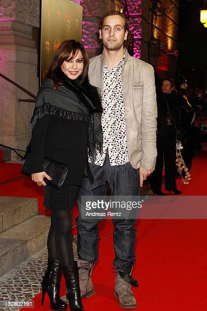 Simone Thomalla and Silvio Heinevetter arrive for the Berlin musical premiere Tanz der Vampire at Theater des Westens on November 14 2011 in Berlin...