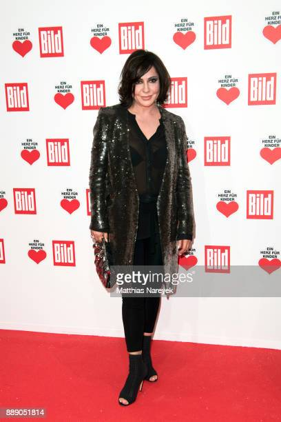 Simone Thomalla attends the Ein Herz Fuer Kinder Gala at Studio Berlin Adlershof on December 9 2017 in Berlin Germany