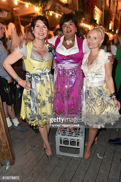 Simone Timm Narumol and designer Tina Hintze at the Kaeferschaenke beer tent during the Oktoberfest at Theresienwiese on September 24 2016 in Munich...