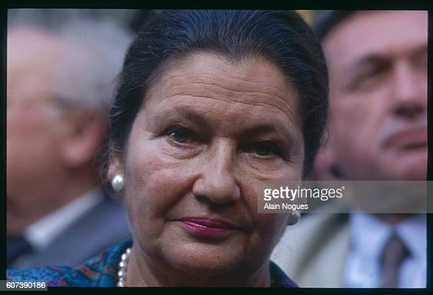 Simone Veil Deputy President of the European Parliament at the anniversary of the raid on Paris from July 1617 1942 during which 13152 Jews were...