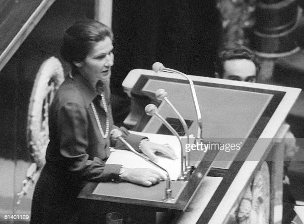 Simone Veil health ministry since May 1974 under the presidency of Valery Giscard d'Estaing makes a speech 26 November 1974 on the abortion law at...