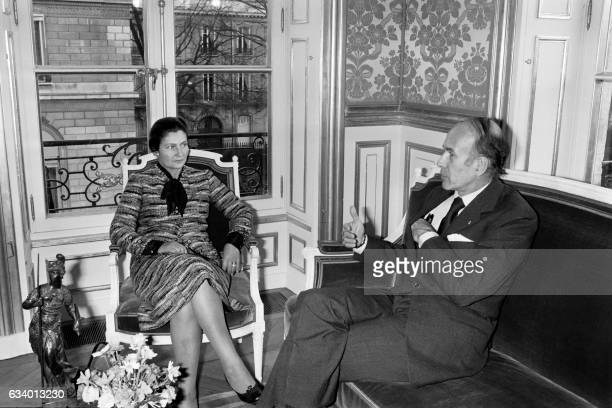 Simone Veil is received by French president Valery Giscard d'Estaing on November 29 1974 at the Elysée Palace in Paris after the adoption of the...
