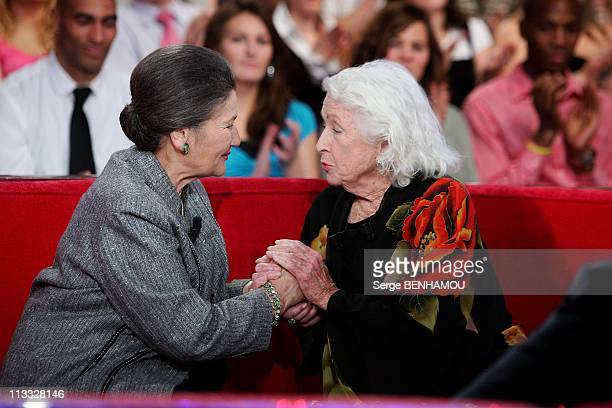 Simone Veil On 'Vivement Dimanche' Tv Show In Paris France On December 05 2007 Simone Veil and Danielle Darrieux