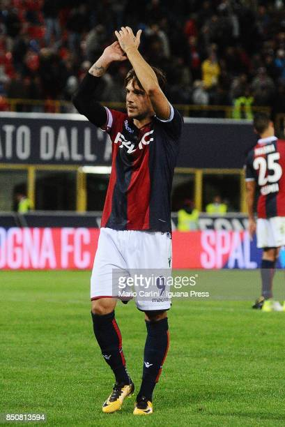 Simone Verdi of Bologna FC cheers the supporters of Bologna FC at the end of the Serie A match between Bologna FC and FC Internazionale at Stadio...