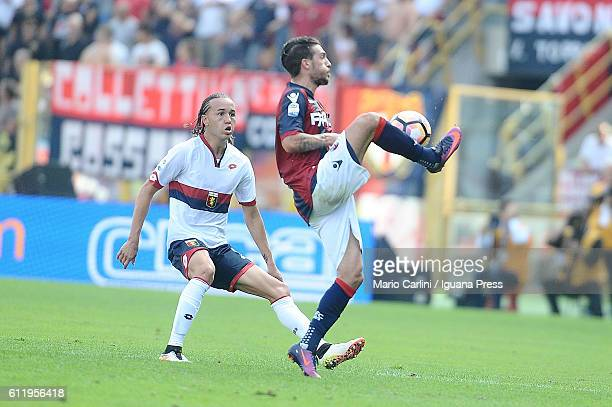 Simone Verdi of Bologna FC in action during the Serie A match between Bologna FC and Genoa CFC at Stadio Renato Dall'Ara on October 2 2016 in Bologna...