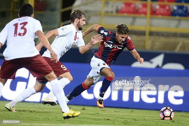 Simone Verdi of Bologna FC in action during the Tim Cup match between Bologna FC andTrapani Calcio at Stadio Renato Dall'Ara on August 12 2016 in...