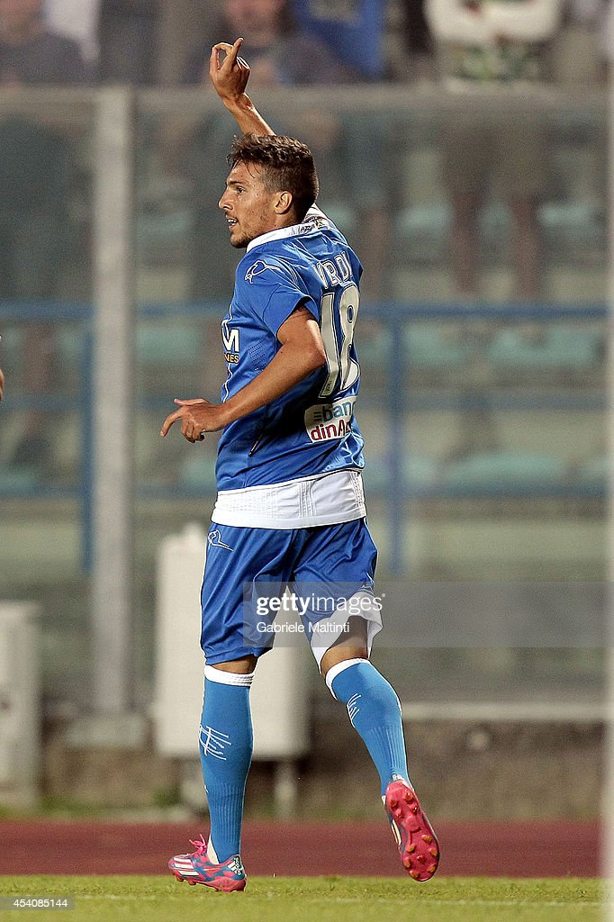 Simone Verdi of Empoli FC celebrates after scoring a goal during the TIM Cup match between Empoli FC and L'Aquila Calcio at Stadio Carlo Castellani on August 24, 2014 in Empoli, Italy.