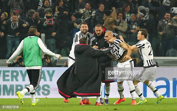 Simone Zaza of Juventus FC celebrates with his teammates after scoring the opening goal during the Serie A match between and Juventus FC and SSC...