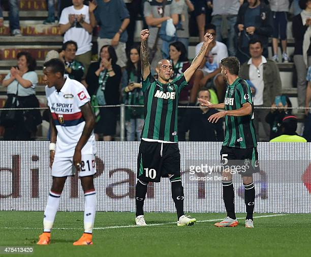 Simone Zaza of Sassuolo celebrates after scoring the goal 30 during the Serie A match between US Sassuolo Calcio and Genoa CFC at Mapei Stadium on...
