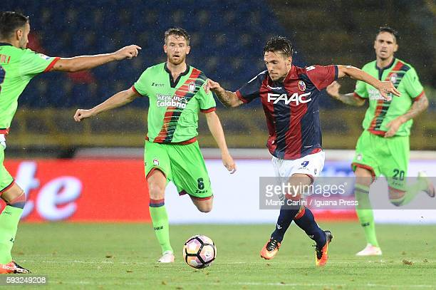 Simonre Verdi of Bologna FC in action during the Serie A match between Bologna FC and FC Crotone at Stadio Renato Dall'Ara on August 21 2016 in...