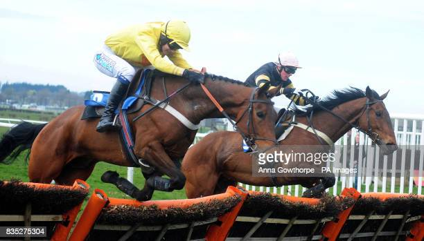 Simple Jim ridden by Rhys Flint beats TonChee ridden by Lee Edwards to win the Wetherby Racecourse Sunday Car Boot Sale Conditional Jockey's Handicap...