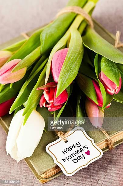 Simple Mother's Day Arrangement