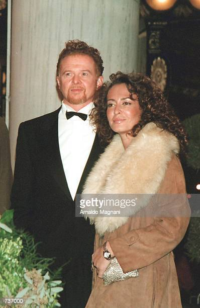 'Simply Red' singer Nick Hulwell and his wife arrive at the wedding reception of actors Michael Douglas and Catherine ZetaJones November 18 2000 at...