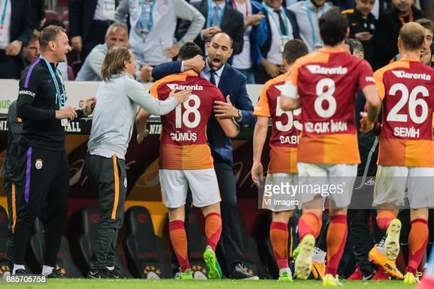 Sinan Gumus of Galatasaray celebrate his goal with coach Igor Tudor of Galatasarayduring the Turkish Spor Toto Super Lig football match between...