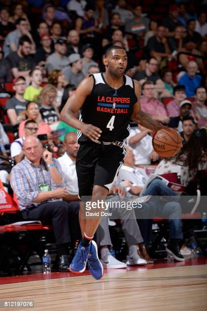 Sindarius Thornwell of the LA Clippers handles the ball against the Milwaukee Bucks during the 2017 Las Vegas Summer League on July 10 2017 at the...