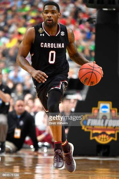 Sindarius Thornwell of the South Carolina Gamecocks handles the ball against the Gonzaga Bulldogs during the 2017 NCAA Men's Final Four Semifinal at...