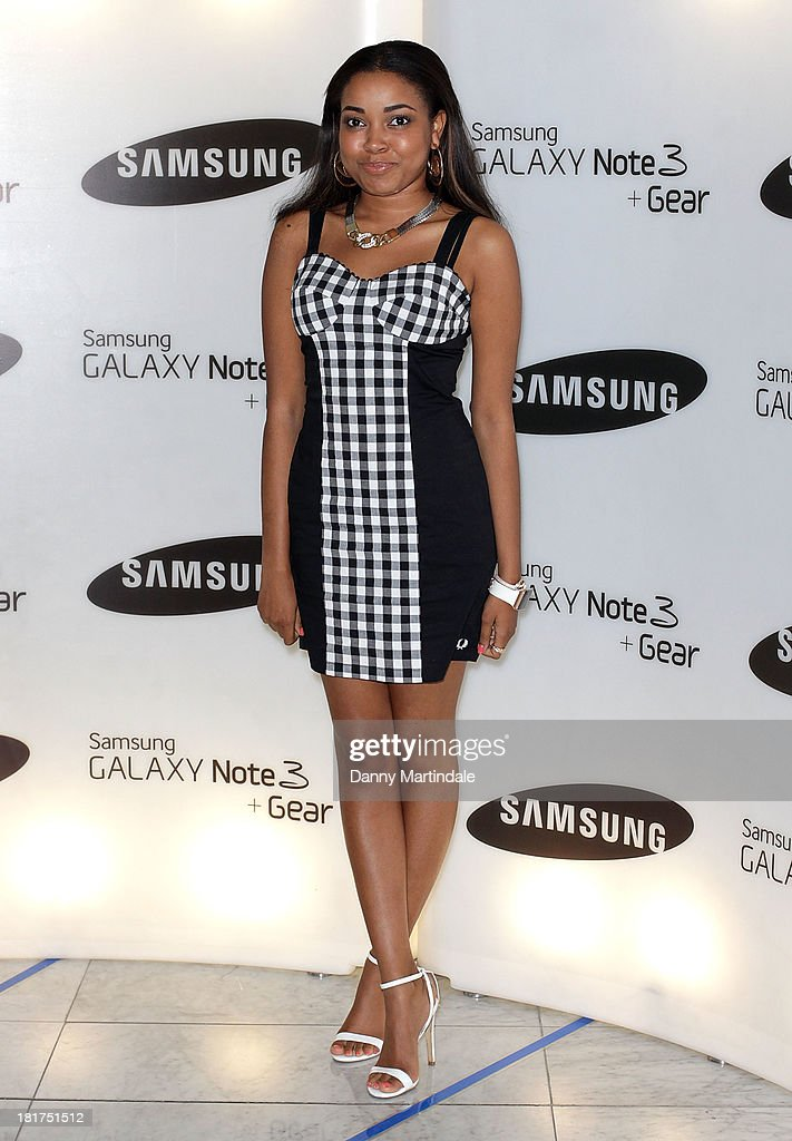 Sing <a gi-track='captionPersonalityLinkClicked' href=/galleries/search?phrase=Dionne+Bromfield&family=editorial&specificpeople=6400392 ng-click='$event.stopPropagation()'>Dionne Bromfield</a> attends the launch of Samsung's Galaxy Gear and Galaxy Note 3 at ME Hotel on September 24, 2013 in London, England.
