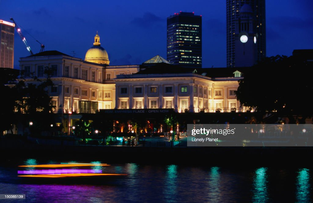 Singapore River with Indochine at Empress Place at night.