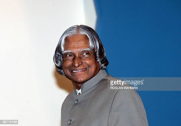 Indian President Avul Pakir Jainulabdeen Abdul Kalam smiles as he walks up to the podium to deliver a public lecture organised by Institute of...